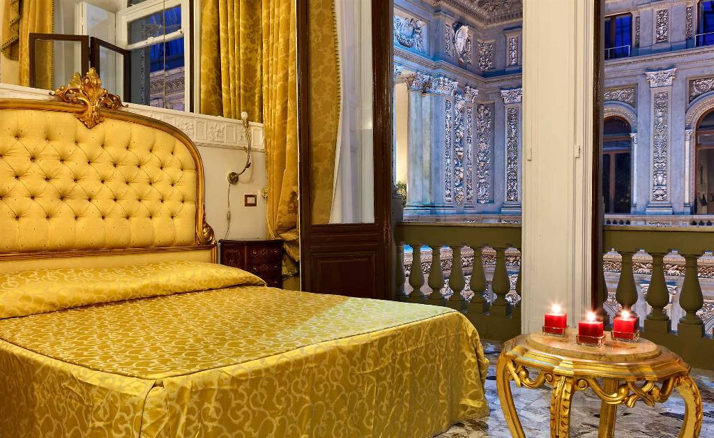 21-napoli-hotel-reservation