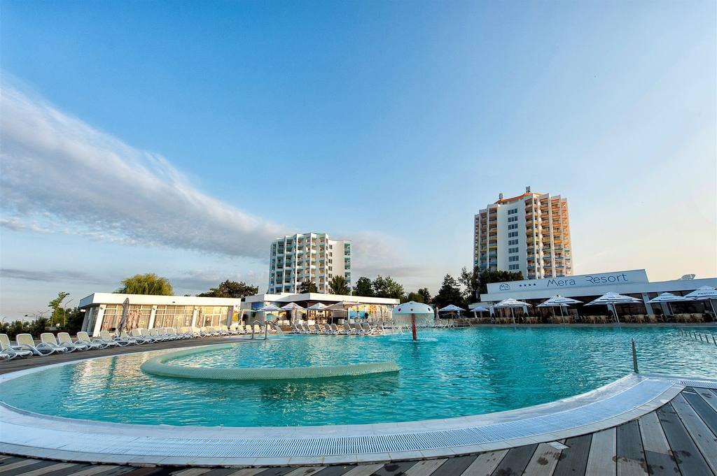 mera-sky-and-mera-blue-hotels-1.jpg.1024x0