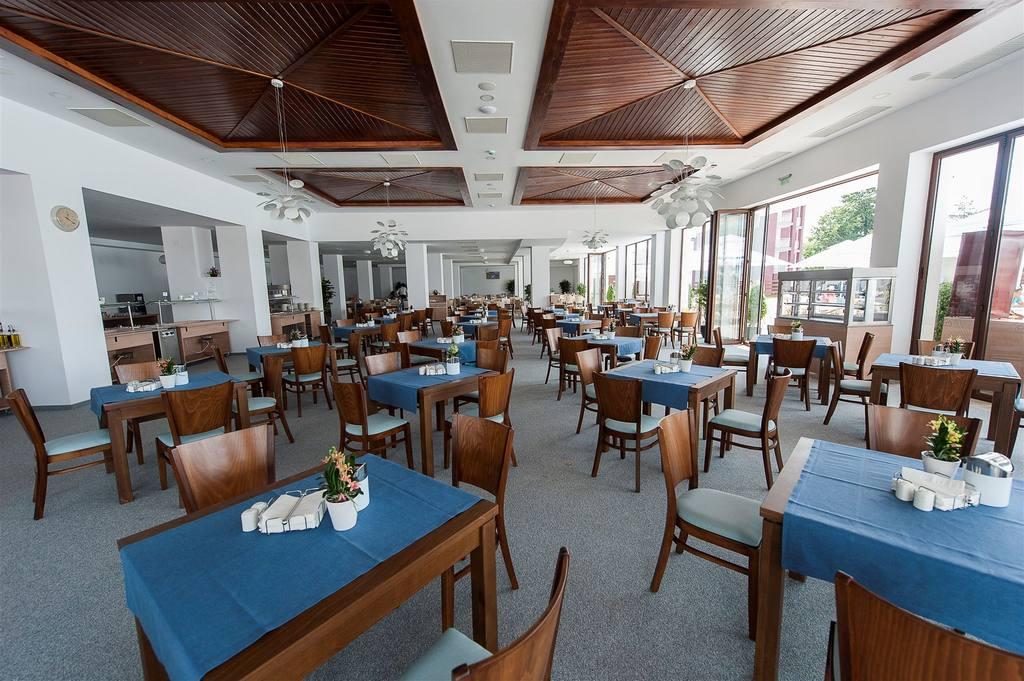 restaurant.jpg.1024x0