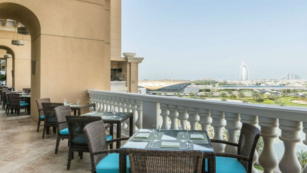 she3889re-164219-sanabel_terrace_burj_al_arab_view-1600x900